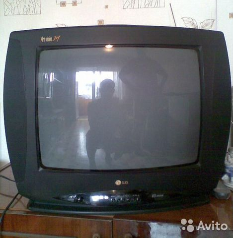 Телевизор LG CF-20D70.