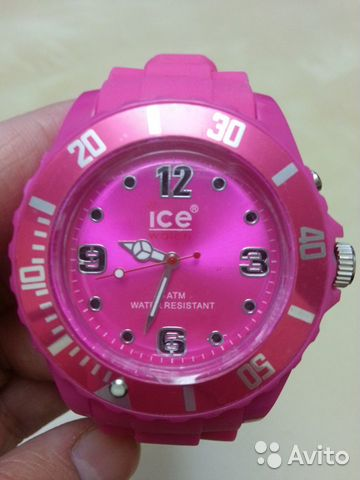Розовые часы швейцарские
