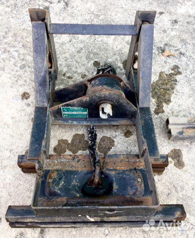 Кронштейн для крепения запасного колеса грузовика 89143306085 купить 1