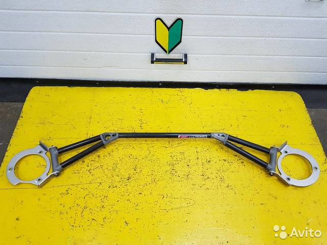 89625003353 Распорка передняя верхняя STI (карбон ) Subaru For