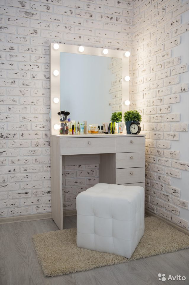 Стильный туалетный столик (большой выбор цветов)  89167173661 купить 2