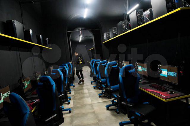 Вакансии в кибер клубах москвы официантка в ночной клуб вакансии москва
