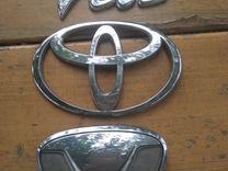 Эмблема для Тойота Витц