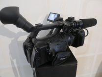 Продаю видеокамеру Sony HVR-Z5E
